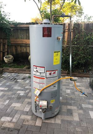 Automatic storage water heater model number gs64bct 401 capacity 40 propane for Sale in Fort Lauderdale, FL