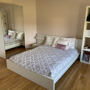 IKEA Malm Queen Bedroom Set With Mirror Closet for Sale in Marlboro Township, NJ