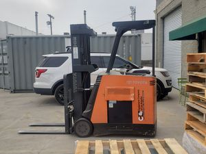 Toyota Docker Forklift for Sale in Los Angeles, CA