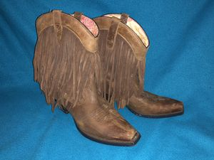 Ariat Gold Rush Western Fringe Boots Size 7.5B for Sale in Portland, OR