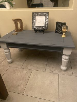 Coffee table for Sale in Yucaipa, CA