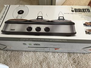 Slow cooker and server for Sale in Chantilly, VA