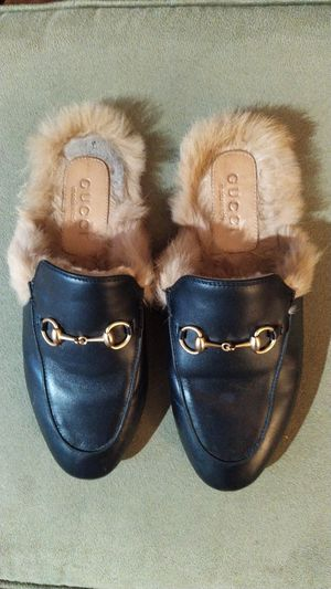Gucci princetown leather mule with fur for Sale in Pico Rivera, CA