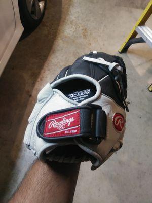Softball glove for Sale in Rialto, CA