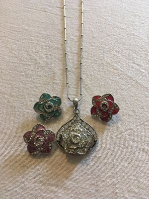 Flower Snap Charm Necklace for Sale in Lester, WV