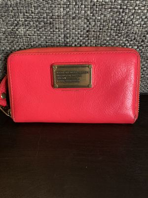 Marc Jocobs hot pink wallet for Sale in Broomfield, CO