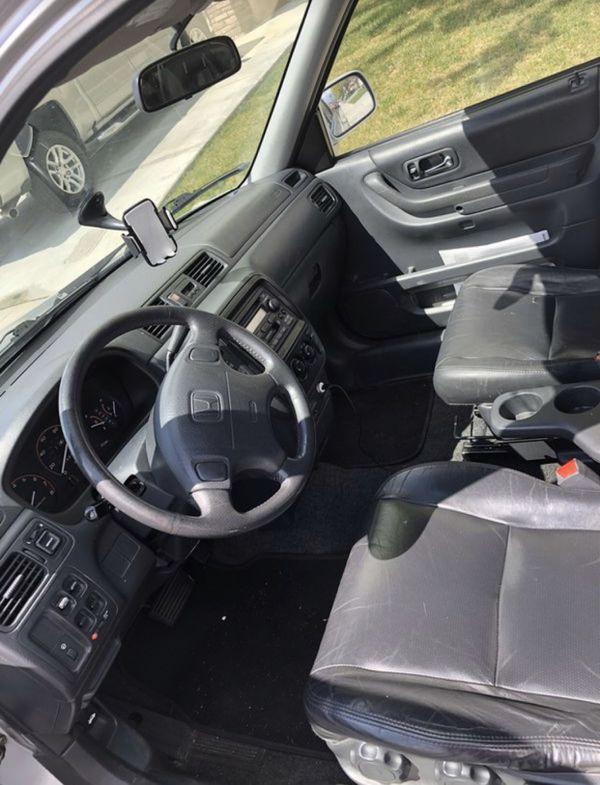 2001 Honda CR-V.