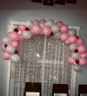 White and pick balloon arch with white and red flowers for Sale in Federal Way, WA