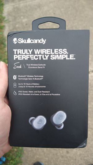 Brand new Skullcandy wireless earbuds!!! for Sale in Lancaster, OH