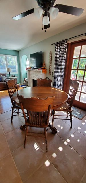 Solid Oak Table with 7 Chairs and Leaf for Sale in El Cajon, CA