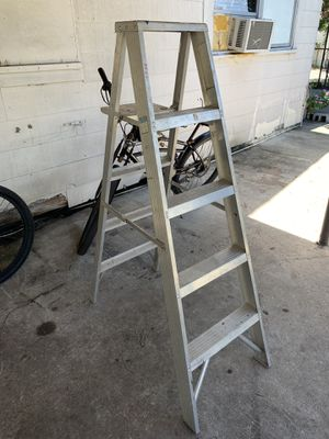 5ft step ladder for Sale in Tampa, FL