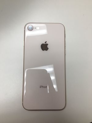 Iphone 8 Rose gold 64g for Sale in Kennewick, WA
