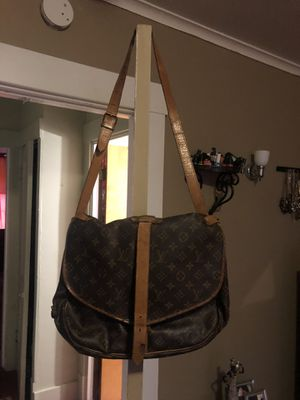 Authentic Louis Vuitton for Sale in Mount Oliver, PA