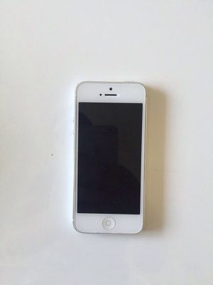 IPhone 5 (32GB) Sprint Clean ESN for Sale in Chicago, IL