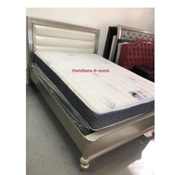 Beautiful Queen Bed Frame $300 😍 Price With Mattress Is Different 😌 for Sale in Bellflower,  CA