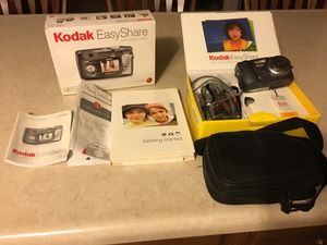 Kodak DX 4530 Digital Zoom Camera & Camera Case for Sale in Pekin, IL
