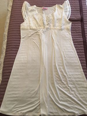 Maternity and Postpartum Nightgown Size 8-10 for Sale in Falls Church, VA