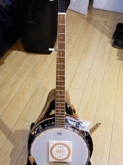 ADM 5 String Banjo Set ( Includes Set Of Strings, Tuner, Suede Strap, Picks, Gig Bag And Stand) for Sale in Los Angeles,  CA