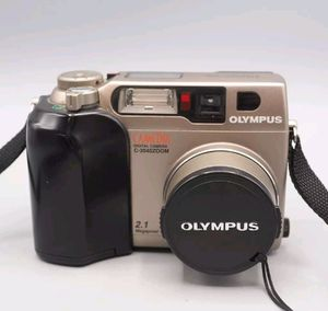 Olympus CAMEDIA C-2040 Zoom 2.1MP Digital Camera for Sale in Houston, TX