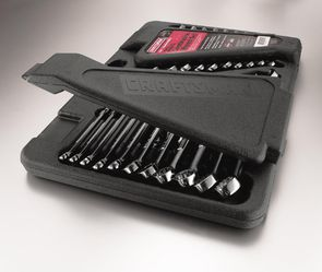 Craftsman Combination 14 piece Wrench Set with case for Sale in Wichita,  KS