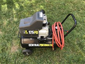 Central Pneumatic 8 Gal. 2 HP 125 PSI Oil Lube Air Compressor for Sale in Blue Bell, PA