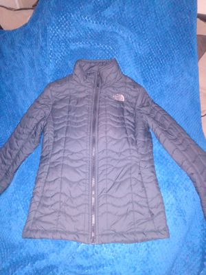 Designer jacket The North face for Sale in Snellville, GA