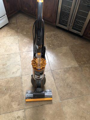 Dyson Ball Multifloor 2 Vacuum Cleaner for Sale in Las Vegas, NV