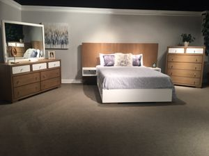 New Queen size solid wood bedroom set by Avalon furniture, showroom floor model for Sale in Durham, NC