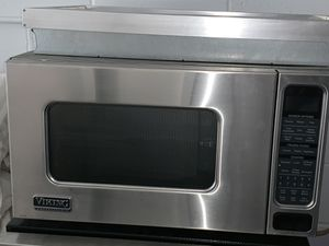 Viking microwave with trim and platform in perfect condition. 2006 for Sale in Costa Mesa, CA