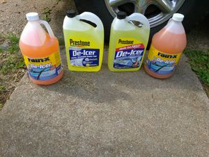 WINDSHIELD WIPERS FLUID ALL 4 READ DETAILS for Sale in St. Louis, MO