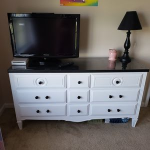 Antique Wood Dresser & 32 inch Panasonic TV for Sale in ABER PROV GRD, MD