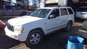 06 grand Cherokee 5.7 Hemi for Sale in Mount Pleasant, MI