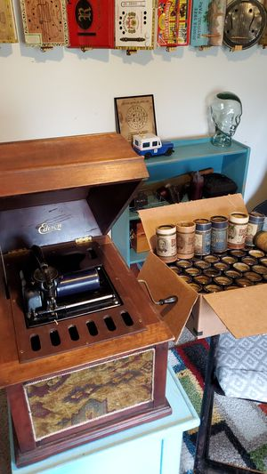 Working Edison Phonograph w/46 cylinders for Sale in Clarksville, TN