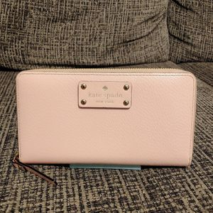 Kate Spade Leather Wallet $30 for Sale in Lewisville, TX
