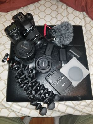 Canon 80d with extras! for Sale in Villa Rica, GA