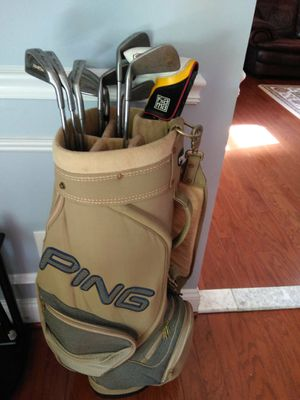 Golf bag with half set clubs **Left Handed Putter** for Sale in Herndon, VA