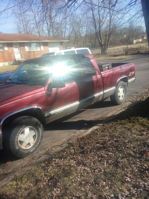 1997 Chevy Silverado Z71 all wheel drive and 4 wheel drive for Sale in Dayton, OH