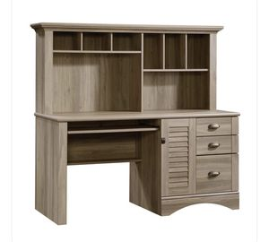 Computer Desk with Hutch for Sale in Whittier, CA