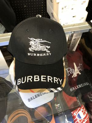 Burberry hat for Sale in Chesapeake, VA