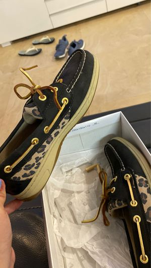 Limited edition women sperry size 6 1/2 for Sale in North Miami Beach, FL