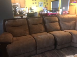 Section recliner couch for Sale in Bakersfield, CA
