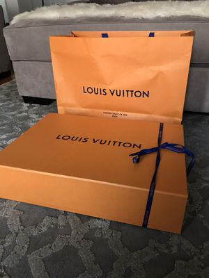 Louis Vuitton Bag &Box for Sale in Los Angeles, CA