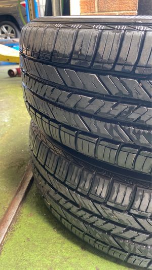 215/60/17 tires 85 perfect tread left for Sale in Annapolis, MD