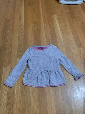 Cute clothes girl size 5 from Oshkosh for Sale in Temecula, CA