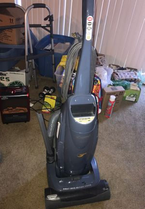 Vacuum & shampoo cleaner for Sale in Greenbelt, MD