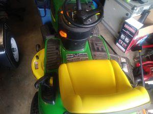 John Deere tractor like new for Sale in Conyers, GA