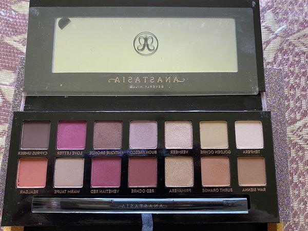 ABH eyeshadow Palettes