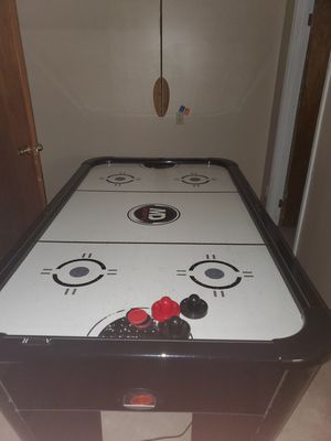 Air Hockey Table (Electric Scoreboard) for Sale in North Olmsted, OH