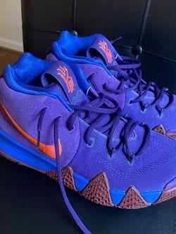 Nike Id Kyrie Size 8.5 for Sale in Arlington,  VA