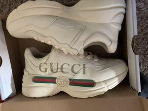 Gucci 400$ for Sale in Trenton, NJ